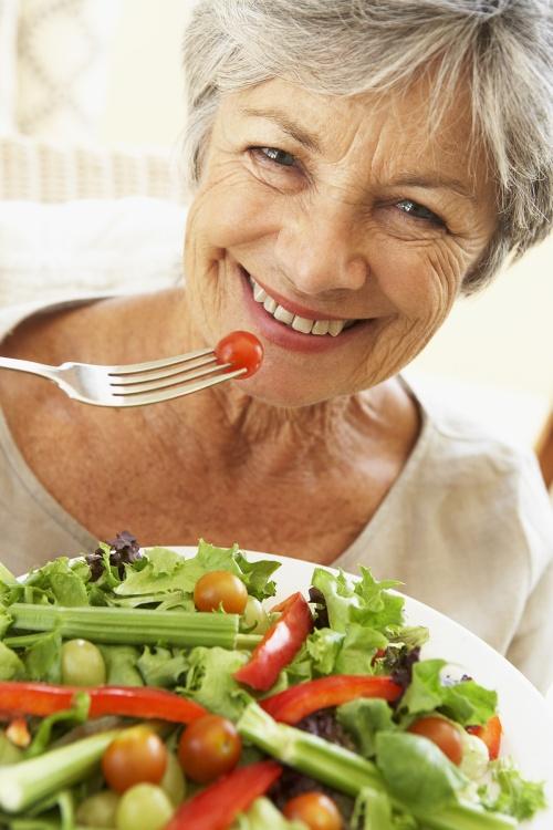 healthy-people-eating