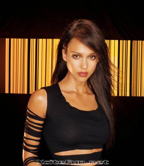 Jessica Alba star of one of my favorite shows, Dark Angel, is on the FNV team.
