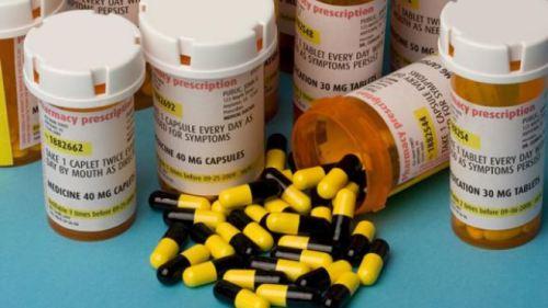 640_vid_072408_pill_bottles
