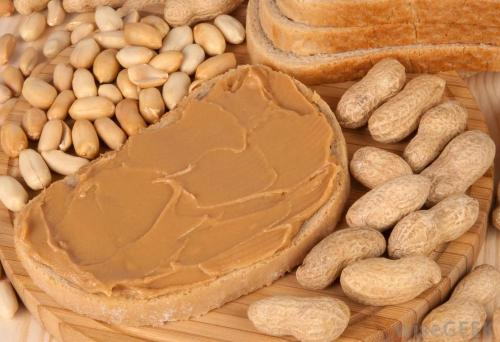 peanuts-with-bread-and-peanut-butter