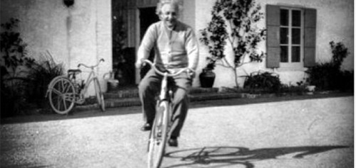 einstein_on_a_bike1-800x380