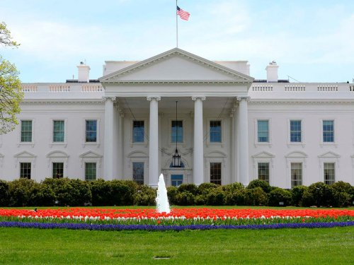 the-white-house-north-lawn-plus-fountain-and-flowers-credit-stephen-melkisethian_flickr-user-stephenmelkisethian.jpg