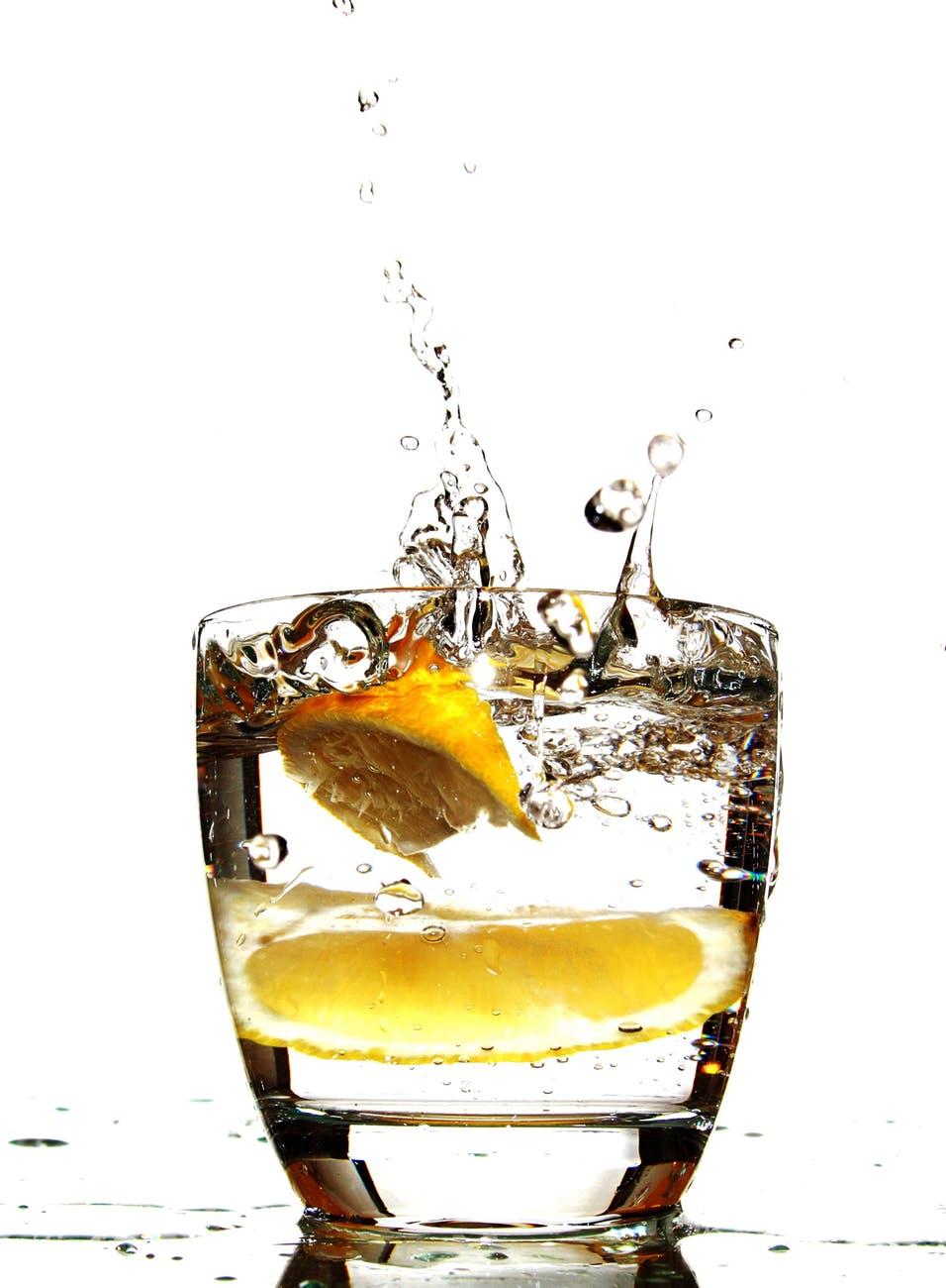 alcoholic beverage bubble citrus