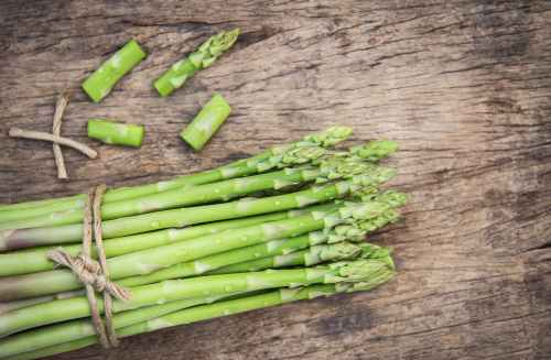 flat lay photography of asparagus